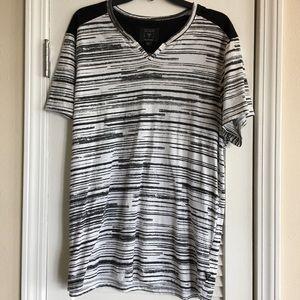 Guess Black And White Mens T-Shirt- SZ XL